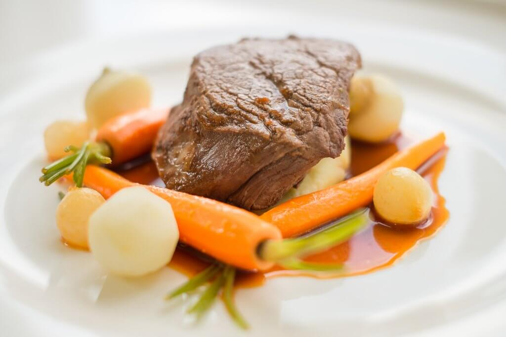 Steak, carrots and new potatoes - Carringtons catering