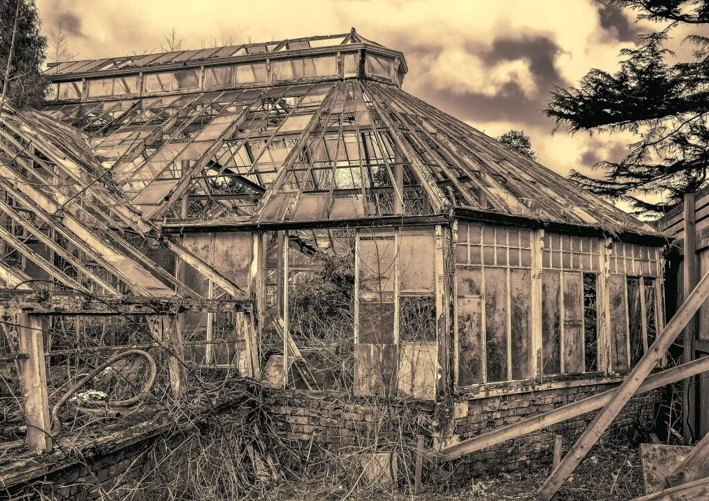 The conservatories before their restoration
